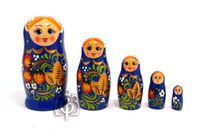 Russian woman - Russian doll booklet, 5 dolls - with blue strawberries