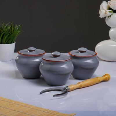 Vyatka ceramics / Set 1/3, 3 pots, 0.7 l each. (grey)