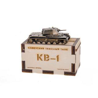 The model tank KV-1 mod. 1940(1:100)