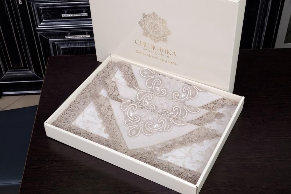 Set of table linens with handmade lace