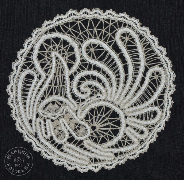 Doily lace 'Grouse'