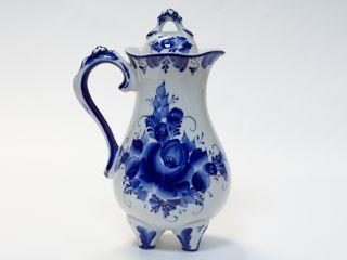 Dulevo porcelain / Jug Berry