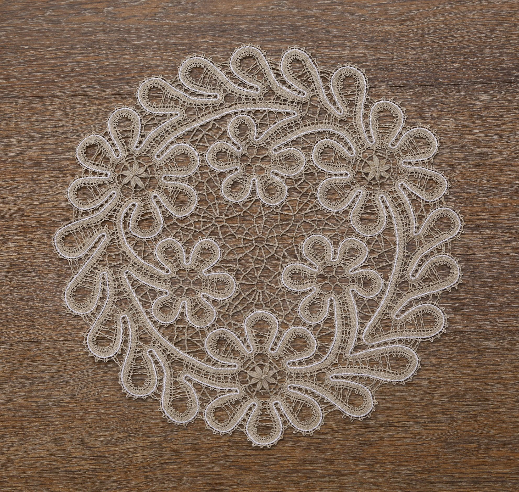Lace doily number 8