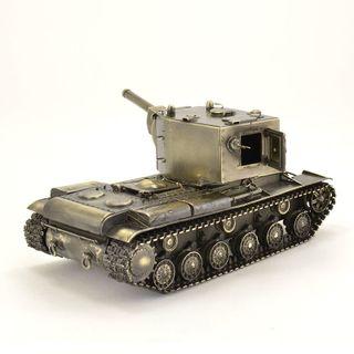 The model of the tank KV-2 1:35