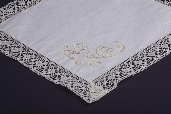 Napkin 'Lilies' embroidery