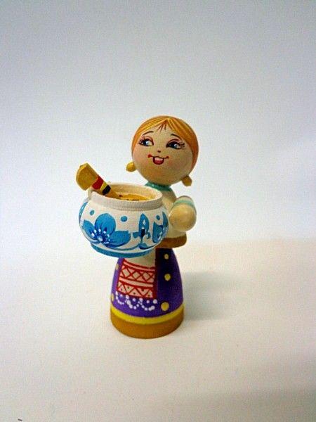 """Tver souvenirs / """"Hostess with soup"""" composition m / r"""