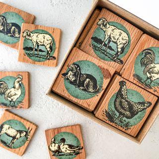 "Memori ""Farm"" in a cardboard box"
