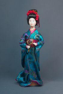 Doll gift porcelain. Geisha.