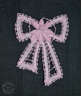 Brooch lace Bow