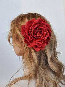 Hair clip brooch rose red