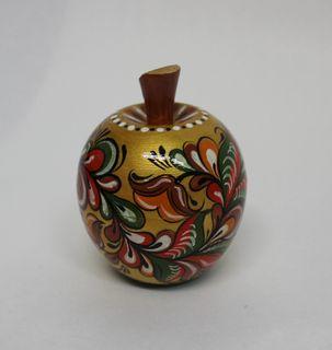 "The box is wooden ""Apple"" rakulskaya painting 6.5 cm"