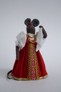 Souvenir doll - Mouse dancing with a handkerchief
