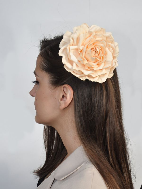 Hairpin brooch Rose cream