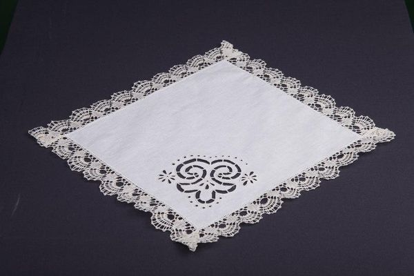 Doily Lace with cutwork