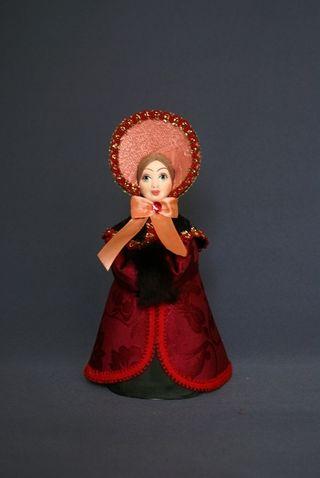 Doll gift porcelain. St. Petersburg girl in winter costume. 1820-30g. The European fashion.