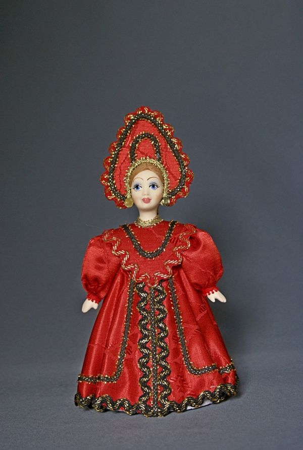 Doll gift porcelain. Center. Russia. Maiden costume. 19th century.