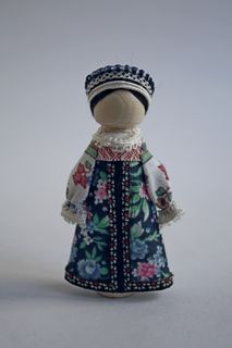 Girlish costume of the 19th century. Arkhangelsk province. Doll gift