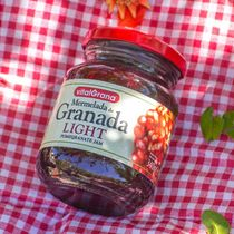 Light low calorie pomegranate jam