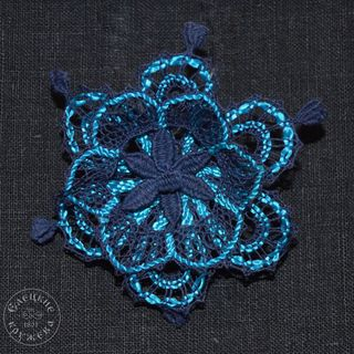 Brooch lace Flower small