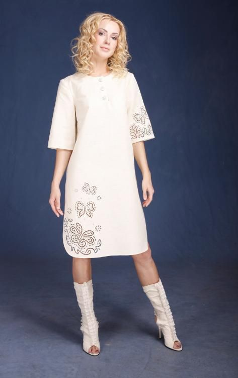 "Women's dress ""A La Russ"" trapezoidal silhouette made of linen with cutwork"