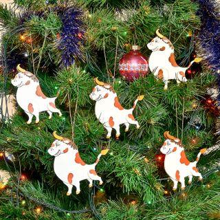 Set of Christmas tree toys bulls, 5 pieces