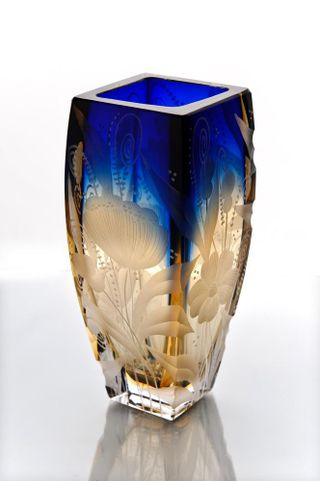 "Crystal flower vase ""Marta"" engraved amber-blue"