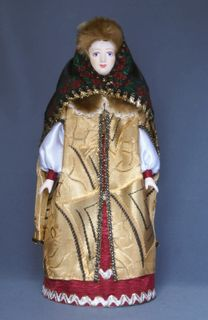 Doll gift porcelain. The boyar's daughter dressed in winter clothes. 16th-17th centuries Russia.