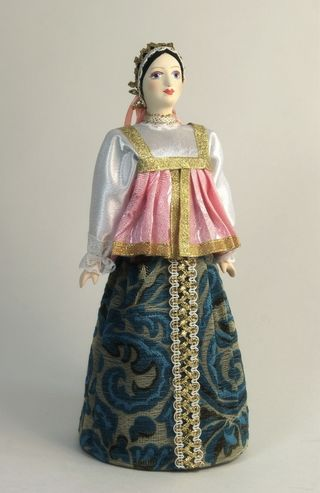 Doll gift porcelain. The North Of Russia. The maiden wedding dress. The late 18th-early 19th century (Agasa).