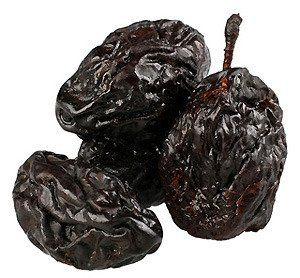 Dried prunes with stones