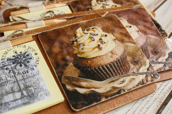 Handmade fridge gift magnet Chocolate muffin with writing block