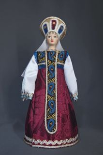 Doll gift porcelain. Russian beauty in festive summer attire. 15-16 century.