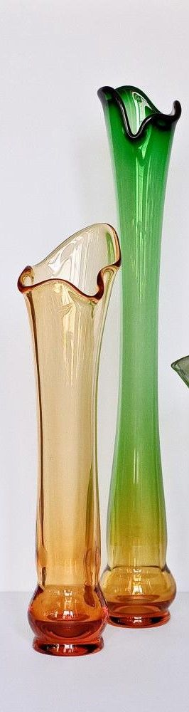 "Crystal flower vase ""Venice"" small amber-green"