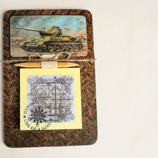 Handmade male souvenir magnet Tank T-34 with a block for notes
