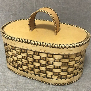 Bark box with handle
