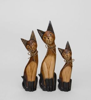 "A set of statuettes ""Cat"" tree"