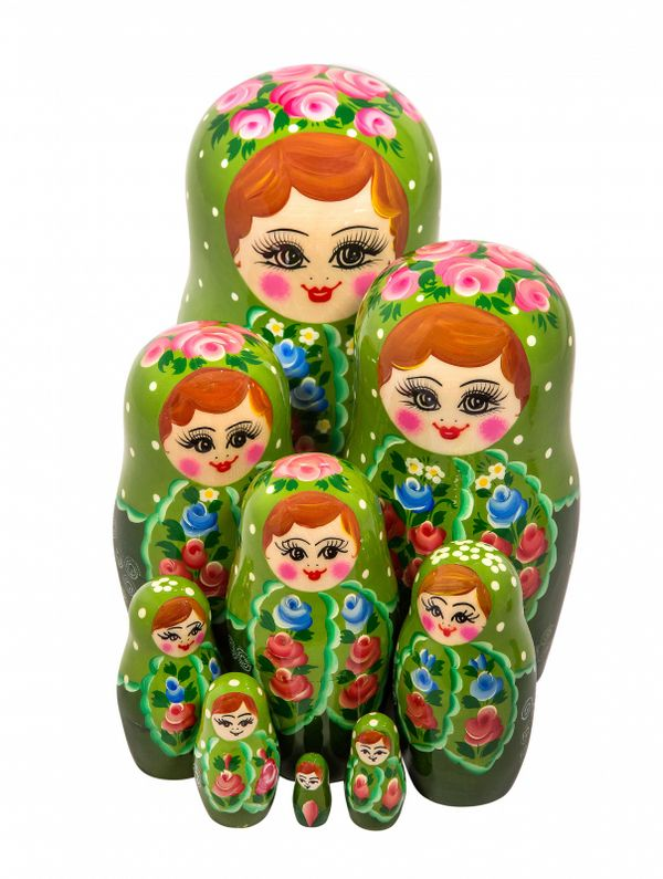 9 non-traditional matryoshka dolls