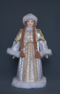 Doll gift porcelain. Maiden in a fur coat with a Cape, decorated with pearls.