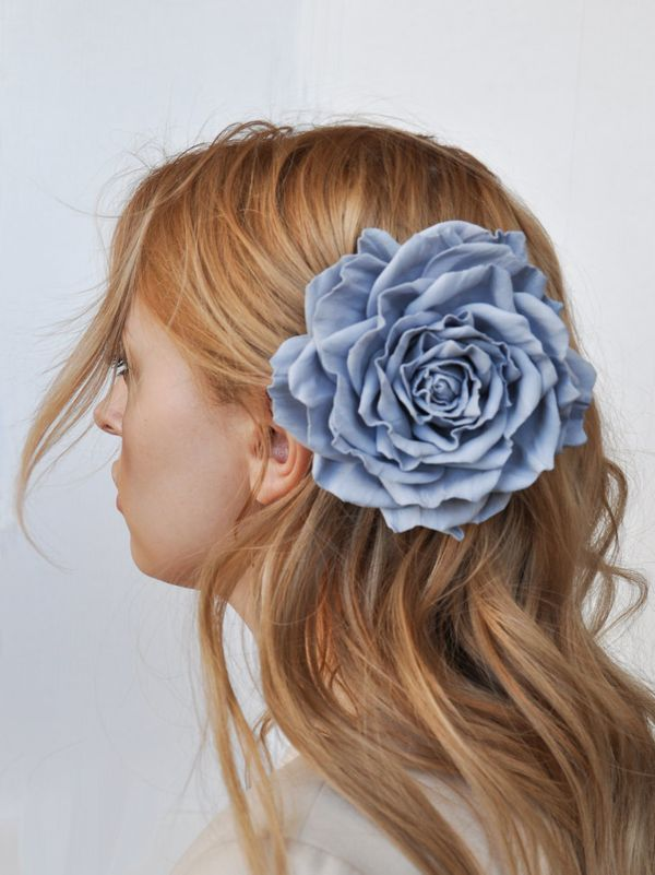 Brooch hairpin Rose gray