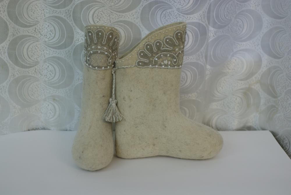 Boots beaded
