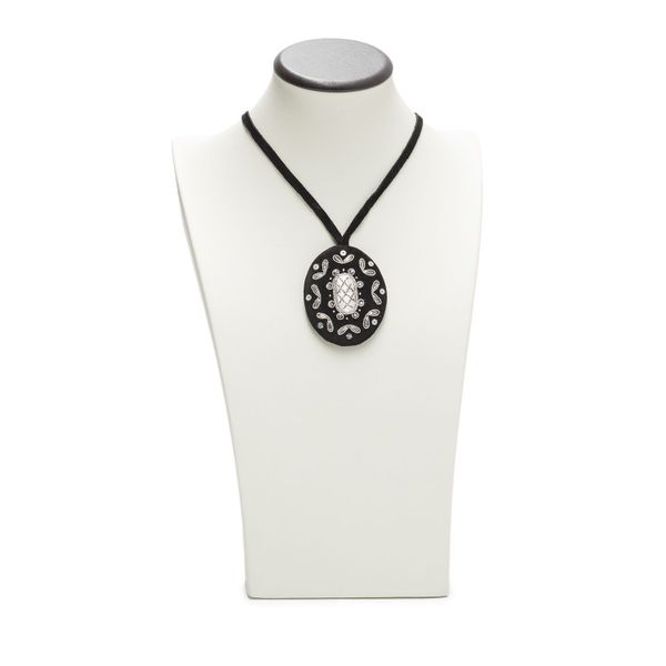 Pendant 'Baroque' black with silver embroidery
