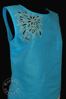 Womens linen top with embroidery С11807