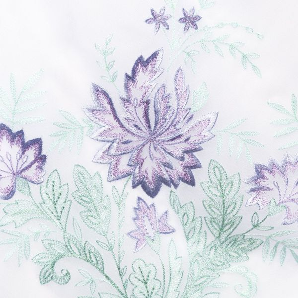 Klondike 'Summer garden' white with silk embroidery