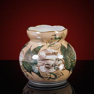 Porcelain vase July figure Fragrant tobacco
