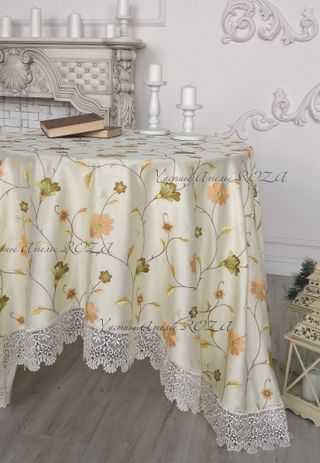 Tablecloth with lace Plaisir