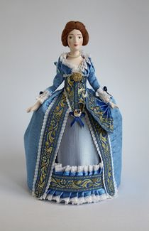 Doll gift porcelain. Lady in a secular dress. The end of the 18th century. Petersburg.