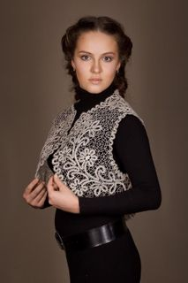 Womens vest lace cropped shape with floral ornament