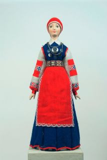 Doll gift. Estonian women's costume mid-18th century. Region: Poluamaa.