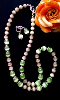 Set of designer jewelry Beads + earrings made of stone
