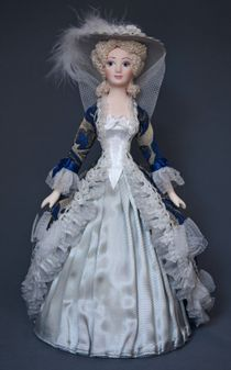 Doll gift porcelain. Lady in formal court dress. The end of the 18th century - Europe.