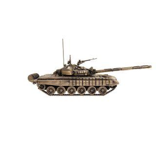 Model of tank T-72B 1:35